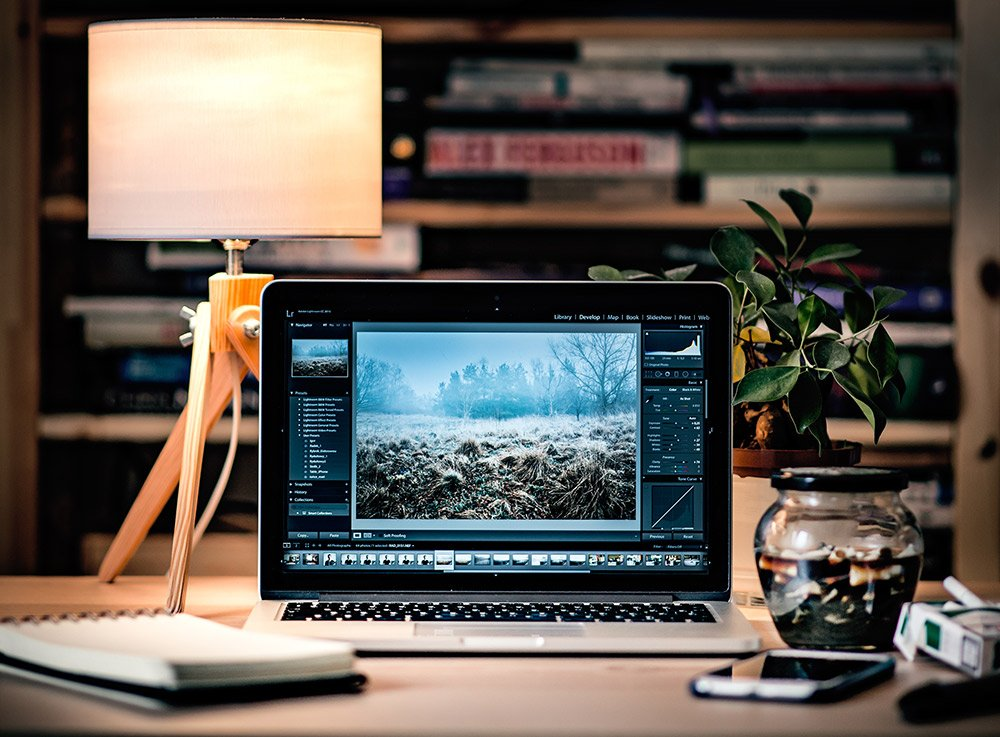 lightroom workstation