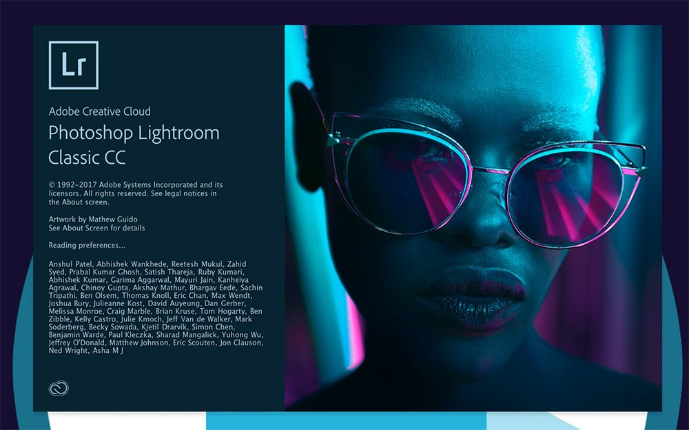 The loading screen for Lightroom Classic