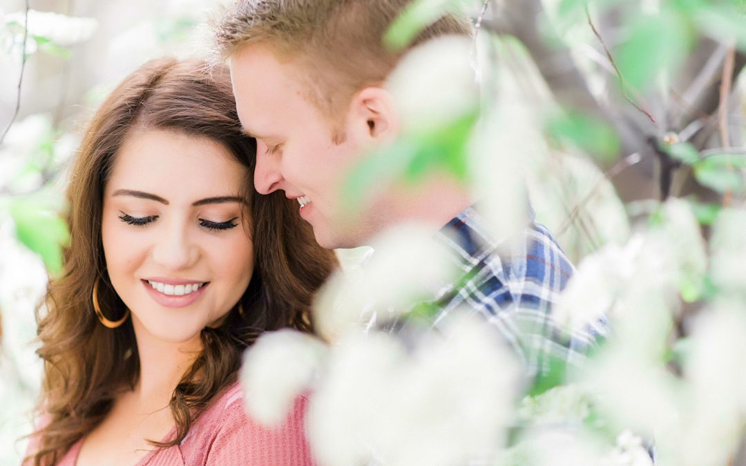 What is the Best Lens for Engagement Photography?
